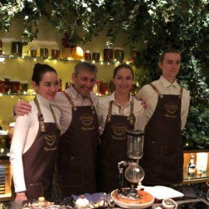 Cold brew tea и Чайная «Матрёшка» на чайном амюзбуше в гостинице Four Seasons Hotel Moscow для членов French Wine Club